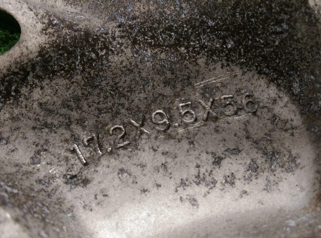 CHEVROLET CORVETTE C4 FACTORY 17x8.5j / 17x9.5j +56 5x120.65 CB:69 x4