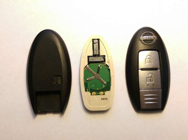 NISSAN Genuine SMART KEY 2 Buttons ( Unlocked ) With New Uncut Blade